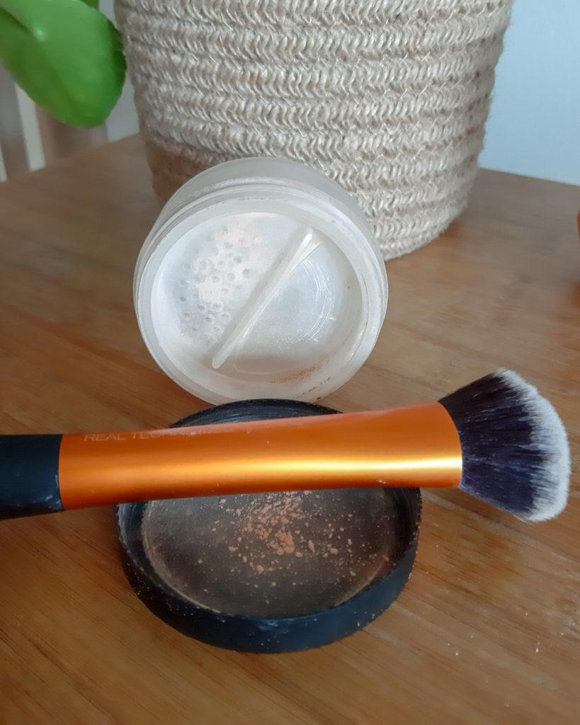 lily lolo minerální make-up