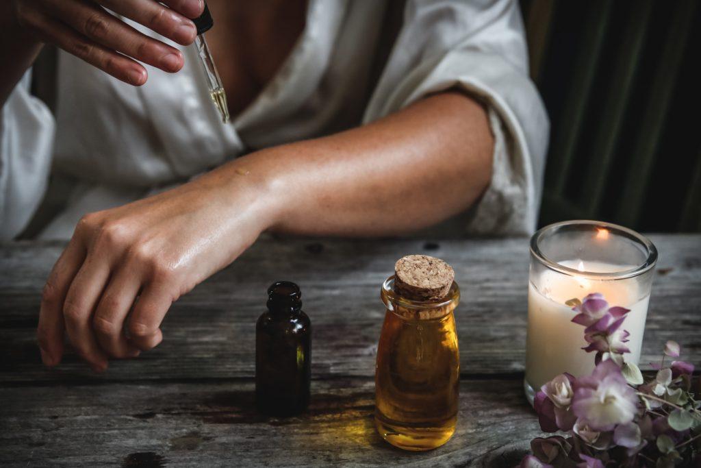ochlazení pomocí éterických olejů