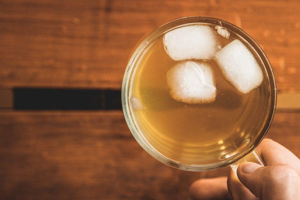 ochlazení těla - ledový čaj