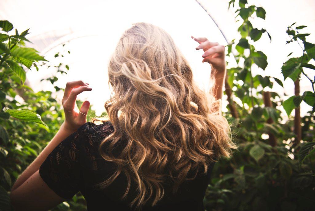 přírodní vlasová kosmetika